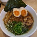 麺屋こころ - 醤油味玉ラーメン 840円