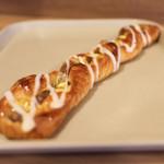 カワセミベーカリー - 料理写真:栗の木デニッシュ☆