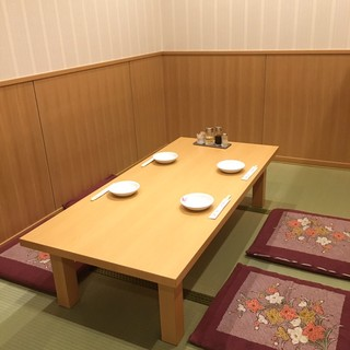 テーブル席、お座敷の大小宴会承ります