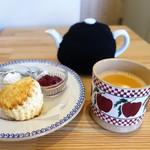 小さな紅茶屋さん crann - スコーン、チャイ
