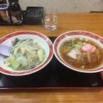 千番 - ラーメンと中華飯のセット690円