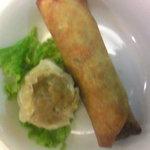上海美食 - 焼売と春巻(蒸したて、揚げたて)