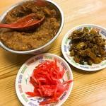 火の国文龍 - ニンニク味噌と、トッピングの紅生姜と、辛子高菜