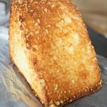 角食専門店 キューブ - チーズバタートースト