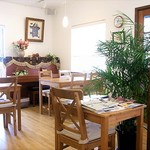 緑町cafe - テーブル4人用2卓 2人用2卓 新聞雑誌用1卓