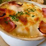 カフェ ブボ セカンドハウス - 週替わりドリアプレート   カルボナーラ風ホワイトソース♡   熱々で中に半熟卵がトロ〜リです。