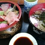 活漁レストラン藤 - 生ちらし(水曜日500円(税込み))