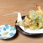 本手打ちうどん庄司 - えびの天ぷら 300円
