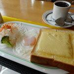 58655386 - チーズトーストセット (コーヒー付き)550円