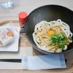 久緒羅珈琲 - 伊勢うどん¥400 +生卵のトッピング¥50