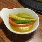 和風レストラン みよし - 裾野水餃子カレー味の中身。 色々入ってます。