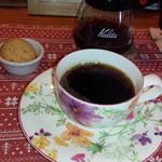58660595 - コーヒーと焼き菓子
