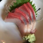 魚市場食堂 - ハマチ刺身