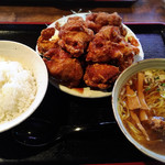 まんぼう - 料理写真:唐揚げ定食 900円