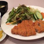 焼肉処 一品一会  - 岡山ピーチポークロース豚カツ定食 価格980円