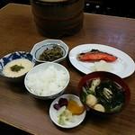 江戸堀 - ごはんと味噌汁そしておかず