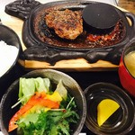 肉びすとろ グルマン 三年坂 - 和牛赤牛ハンバーグ御膳(120g)