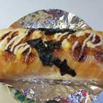 パンスタジオ - 料理写真:ジューシーてりたま(通常130円)、てりやきチキンをタマゴサラダとソースでジュージーに仕上げてあります。