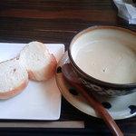 カーサ ノストラ ももや食堂 - スープ・パン