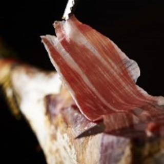 純血イベリコ豚5年物生ハムは、スペインでも唯一の傑出銘柄です