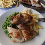 58679233 - 1/2Galeto com Salada e Arroz com Brocolis 18レアル(だいたい540円)