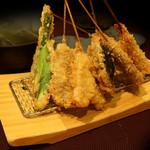 名代串揚げ松葉 コース制串かつ - 食材を活かすシンプルな串揚げ