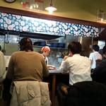 らぁ麺 紫陽花 - 金曜日18時の状況