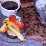 ダイニングキッチン54 - ステーキ 付け合わせの野菜もおいしい。