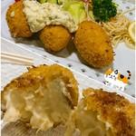 キッチン ダイシン - カニクリームコロッケ☆大きくてトロ〜リ♪