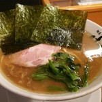横浜家系 麺屋はやぶさ - ラーメン並 濃いめ硬め多め 肩ロース ¥670