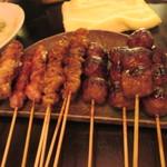 あら津(串焼き) - タレ焼きも焼きあがって来ました、私の大好きな、つくねや皮も入ってました。