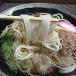 食い亭 - 麺は細麺、出汁はあごダシです。