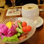 58706963 - ゴロゴロ季節お野菜のバーニャカウダ