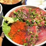 はじめ鮮魚店 - 海鮮三点盛り 千円(あら汁、小鉢、お新香)16年11月
