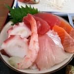めし太郎 - 海鮮丼にしてみました