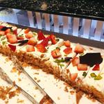 58709774 - ナポレオンショートケーキ@パイがさくさくでクリームたっぷりのナポレオンパイ