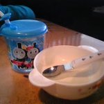 5871907 - 子供用のお水とお皿