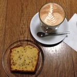 MONZ CAFE - カフェラテ&パウンドケーキ