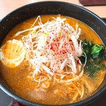 花&レストラン らぽーとランド - 料理写真:ピリ辛ラーメン・大辛(820円)+大盛り(無料クーポン利用)