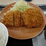 かつや - ロース・メンチカツ定食 790円