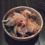 秋津日本酒居酒屋 しば田 - お通し(茄子の煮浸し?)