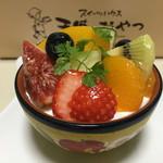 スイーツハウス 天使のおやつ - フルーツパフェ ¥464