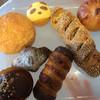 ベーカリーファクトリー - 料理写真:トレイに乗せた今回購入のパンたち 2016年11月
