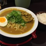 ゴルカ麺 - ランチBセット<カレーラーメン特製+ライス>(850円)