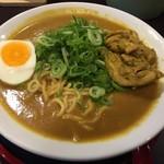 ゴルカ麺 - ネパールカレー麺特製(780円)