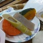 千穂の家 - 「やまめ定食 (1300円)」の「神楽煮しめ」