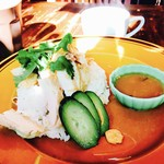 アジアン食堂 ジョージのレシピ - H28.11 カオマンガイ‼︎添えてるタレが旨い♡