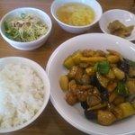 5875259 - 鶏肉の四川風辛し炒め定食(850円)