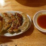 愛と勇気と炎の拉麺屋たいらん - 【鍋貼餃子…420円】2010/11