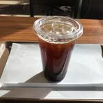 サンエッセン - ドリンク写真:ブレンドコーヒー(アイス)185円(税込)